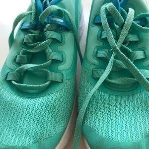 Nike renew rival running shoe unisex turquoise 5Y
